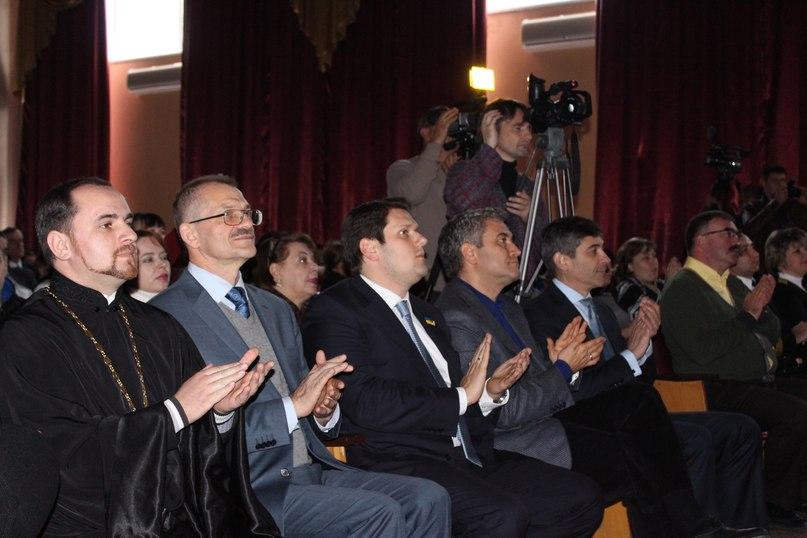 Студенты Киевской водной академии приняли присягу, их посвятили в курсанты