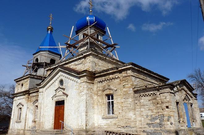 В селе Каланчак Измаильского района продолжается ремонт церкви